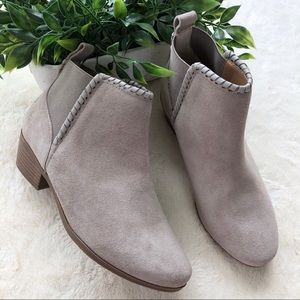 Jack Rogers tori suede gray ankle bootie 6.5